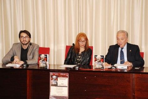 EL periodista Fabianni Belemuski y Profª Rosa María Sanz Serrano (Facultad de Geografía e Historia, Univ. Complutense de Madrid)