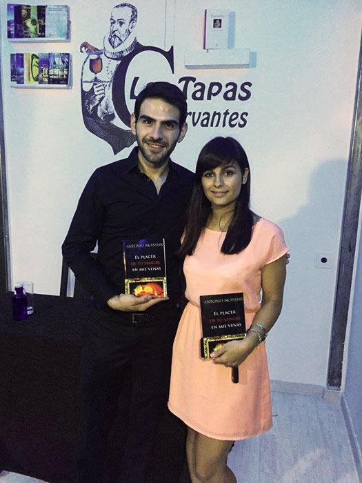 Antonio Iskandar y Andreea Niram
